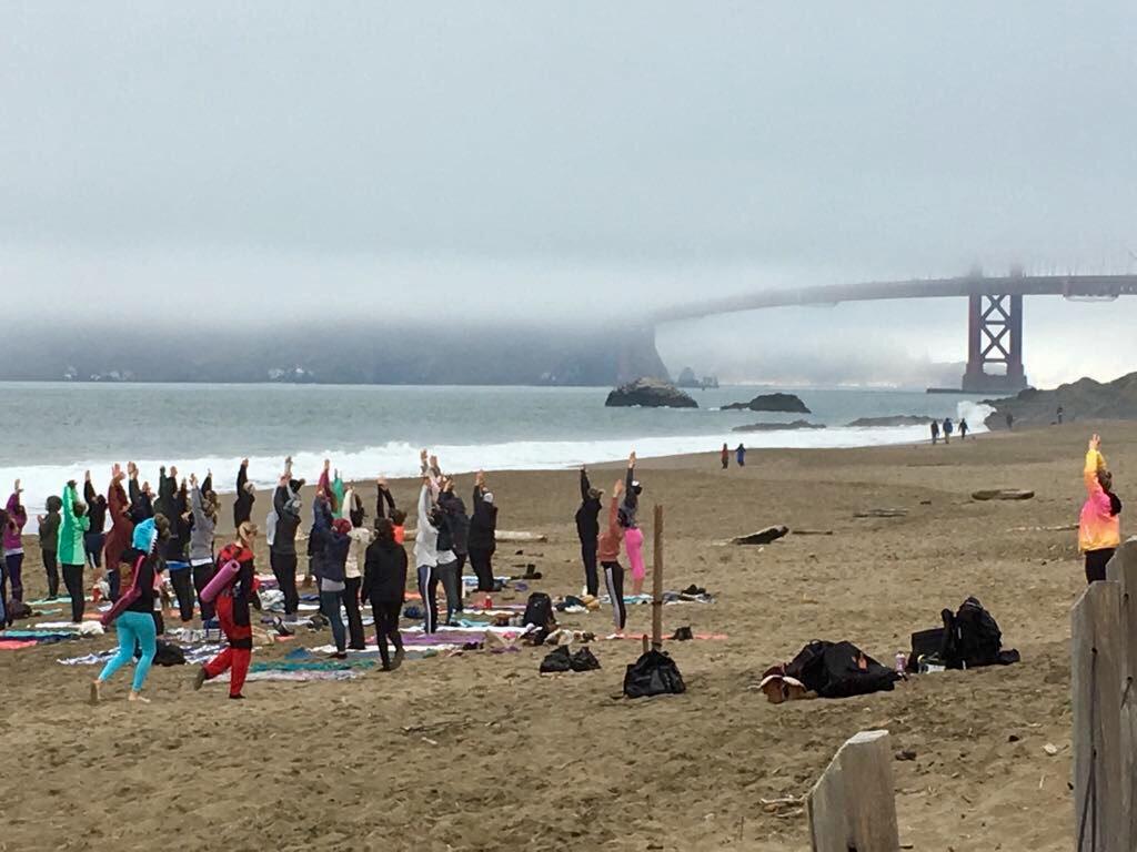 ritual beach yoga Anja Eva Keller TalkWellness