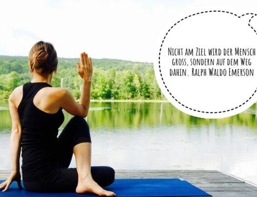 Vinyasa Yoga Übergänge und ihre Energie